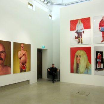 Teoksen nimi: Näkymä näyttelystä valokuvagalleria Hippolytessa 2014. / An exhibition view from Photographic Gallery Hippolyte, 2014.