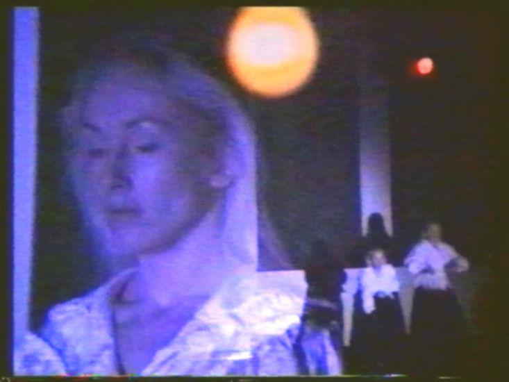 """""""Skolaris"""" videoteos ja installaatio, Nykytaiteen museo 1993"""