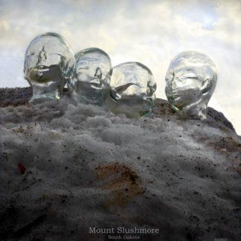 Teoksen nimi: Mount Slushmore, South Dakota (2013)