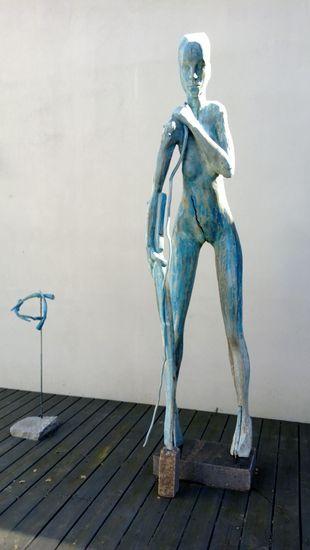 Mahdollisuus, 2000, puuveistos, korkeus 350 cm