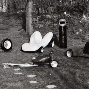 Teoksen nimi: Pop-taidetta, 1969-1973, keinonahka ja metalli