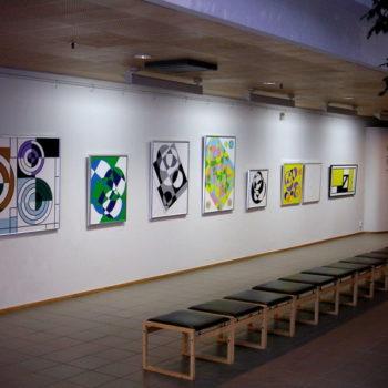 Teoksen nimi: Yleiskuva Poleenin näyttelystä 2004