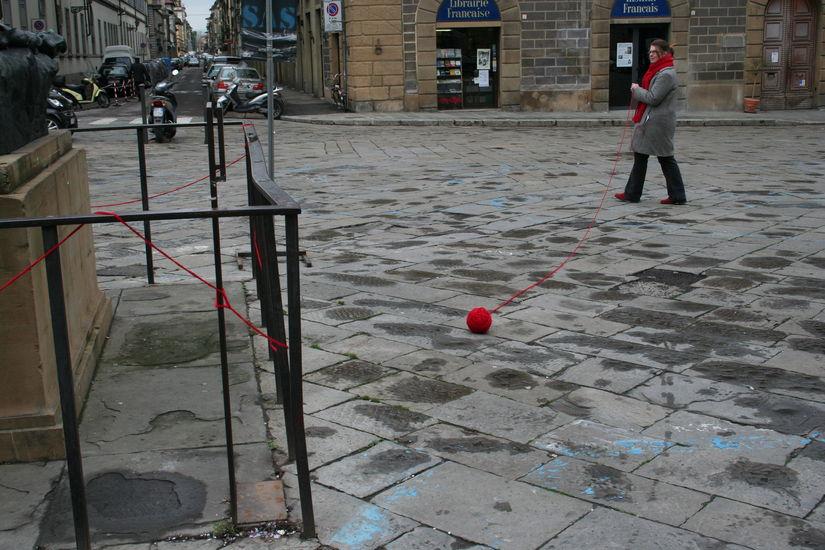 The Red Line.Kuvattu 25.2.2006.Piazza D´ognissanti Firenze.