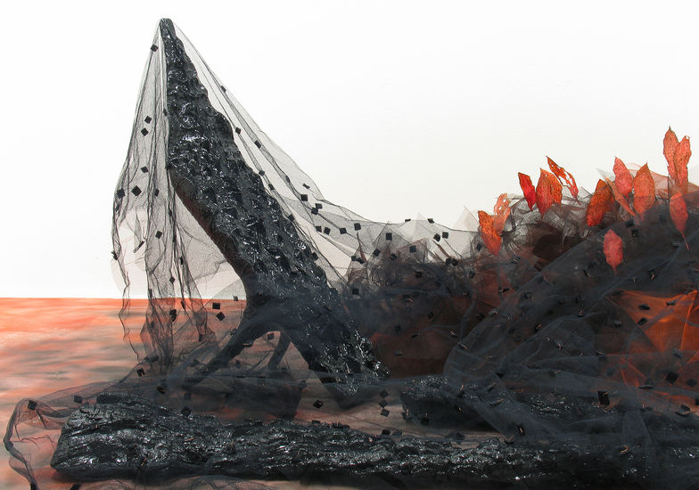 HIIPUVA HIILLOS / DYING FIRE