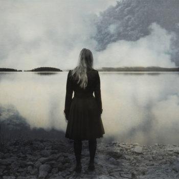 Teoksen nimi: Tyttö rannalla 2009
