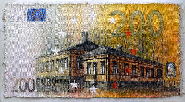 Kaksisataa euroa