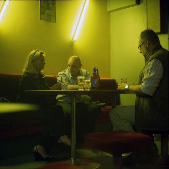 Vieraisiin pöytiin