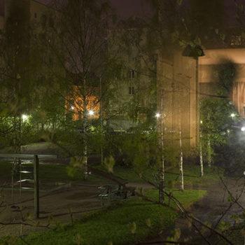 Teoksen nimi: Sarjasta Yksityiset huoneet, Hämeenlinnassa 11. toukokuuta 2012