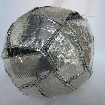 Teoksen nimi: Metallikuori / Metal Shell