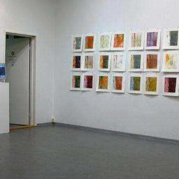 Teoksen nimi: ILOT, 2012 (Galleria Uusi Kipinä, Lahti), Print Installation of 36 pieces