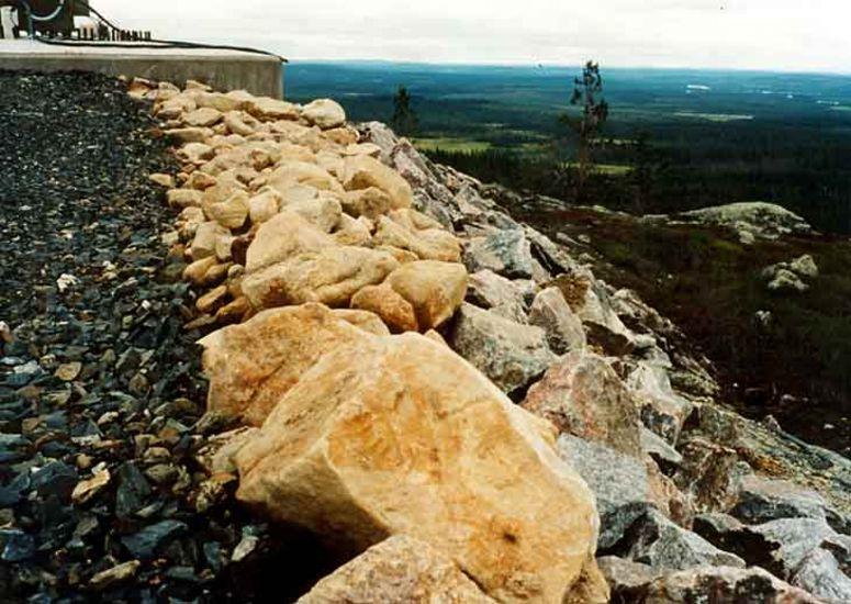 Siiven varjot, 1999