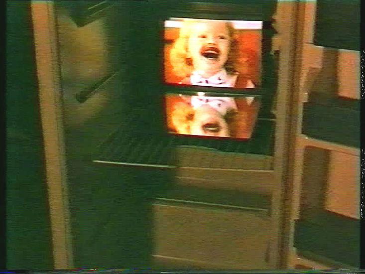 """""""Jääkaappi"""" videoinstallaatio 1993"""