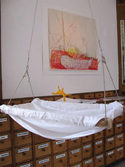 Keltaisen kanin kehto;  Maalaus Tuntematon vauva korissa –  The Yellow Rabbit that Rocks the Cradle; Painting Unknown Baby In The Basket (2010)