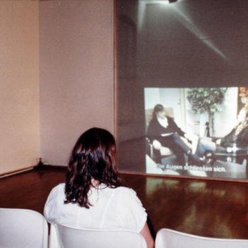 Teoksen nimi: Hypnoosi, videoinstallaatio   1997