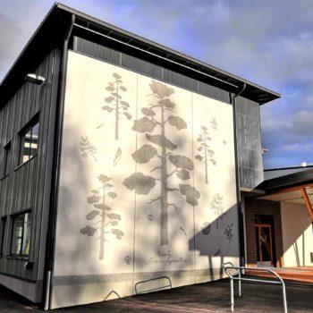 Teoksen nimi: Nepenmäen koulun 3 graafista betoniseinää II