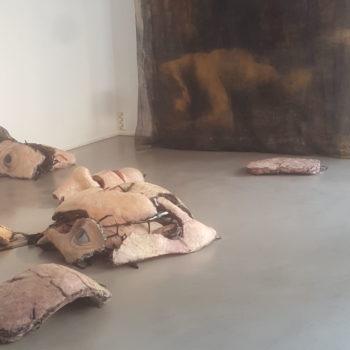 Teoksen nimi: Juottopaikka, yhteisteos Päivi Häkkisen kanssa, Galleria G, Helsinki 2019