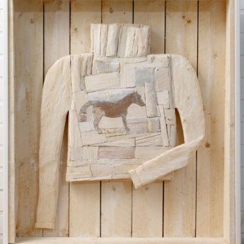 Teoksen nimi: Hevospoolo, 2003, puu, väri, 100x 89x 16 cm