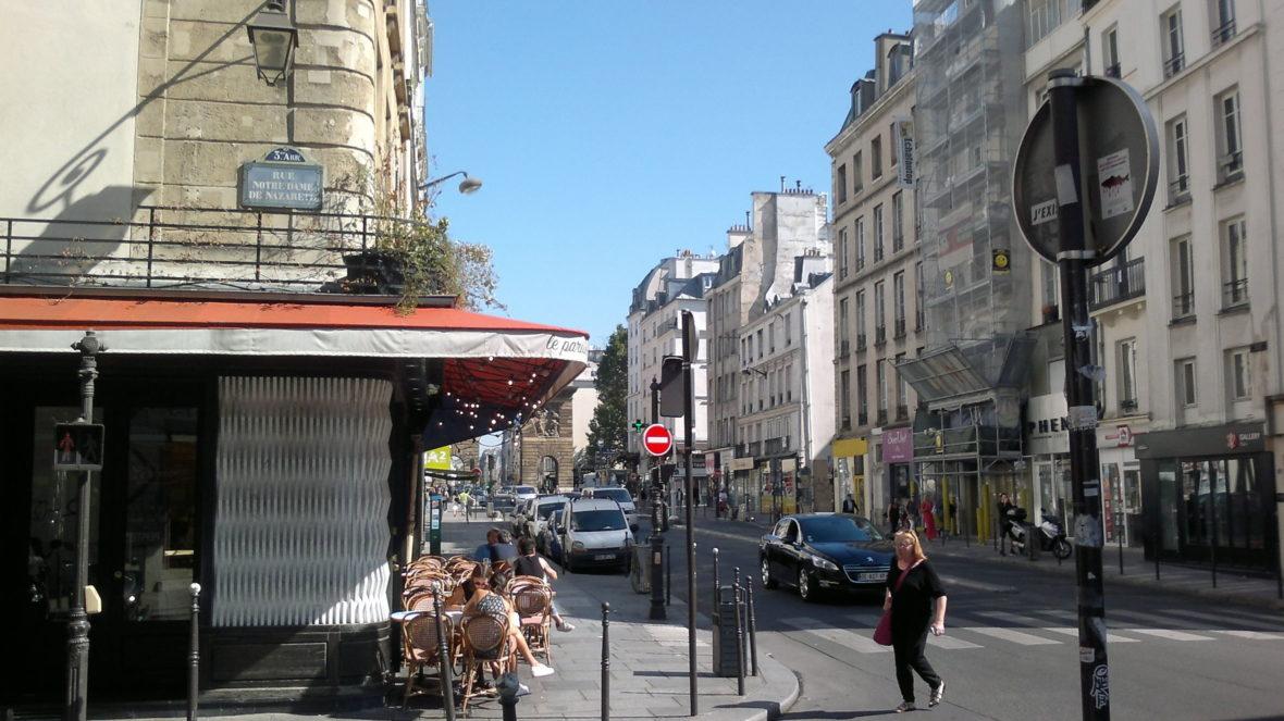 Rue Saint Martin, Paris 3ème , 2016 Fenêtre sur Paris ©Tuuli Luukas, 2016  / Kuvasto 2019