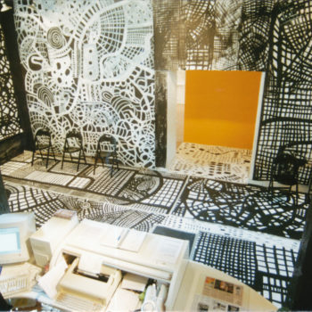 Teoksen nimi: Black & White. Poriginal Galleria. 2000