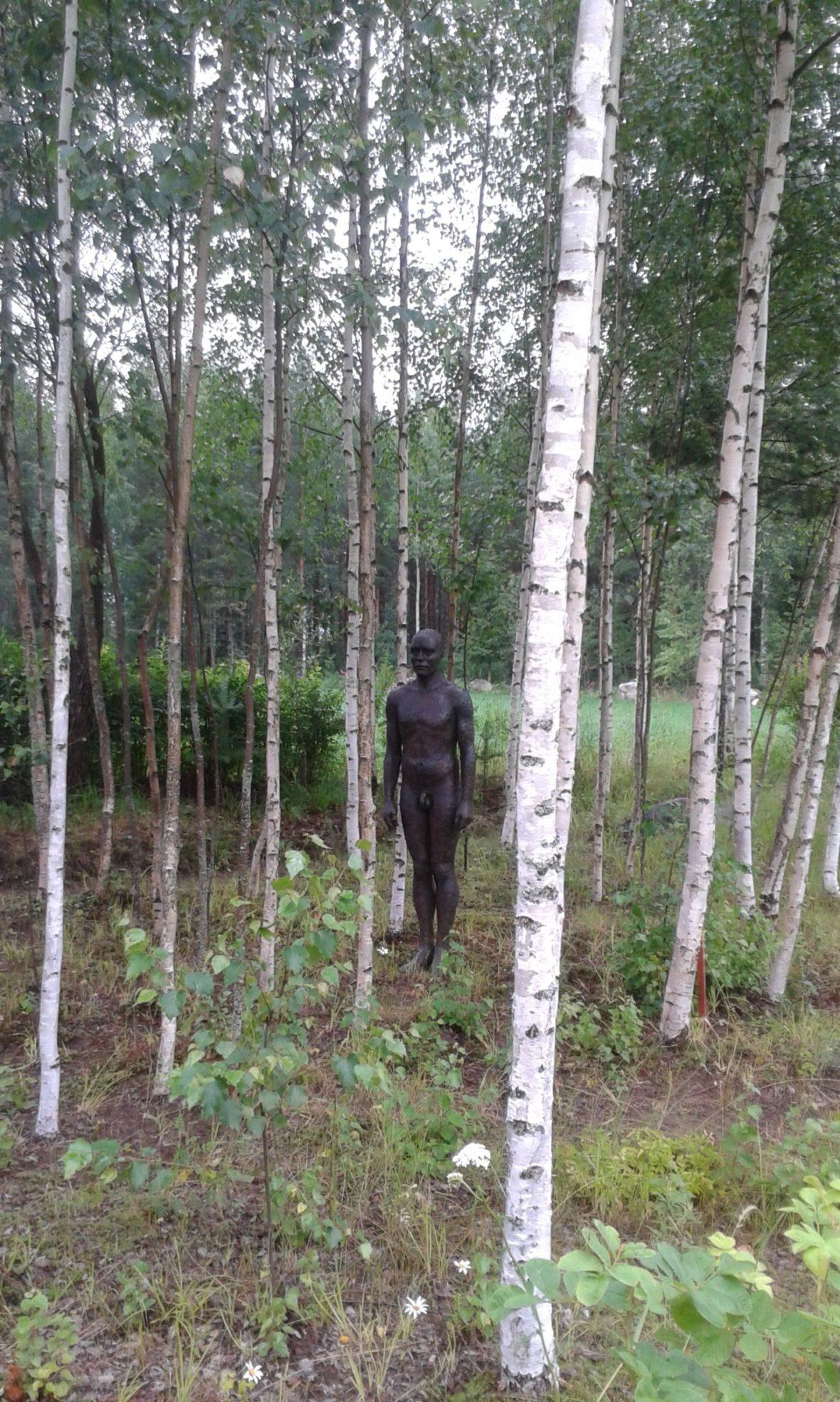 Galleria Tienkorvan puutarhan  veistoksia, Ajattelija I ja II,Matti Happonen