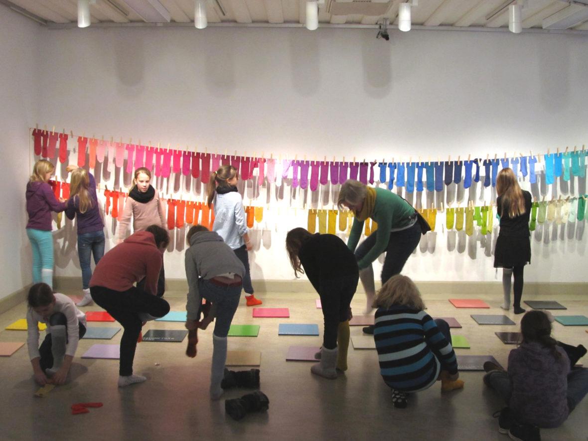 Värioppia, 2012