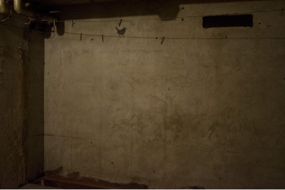 Kuivaushuone, Drying Room