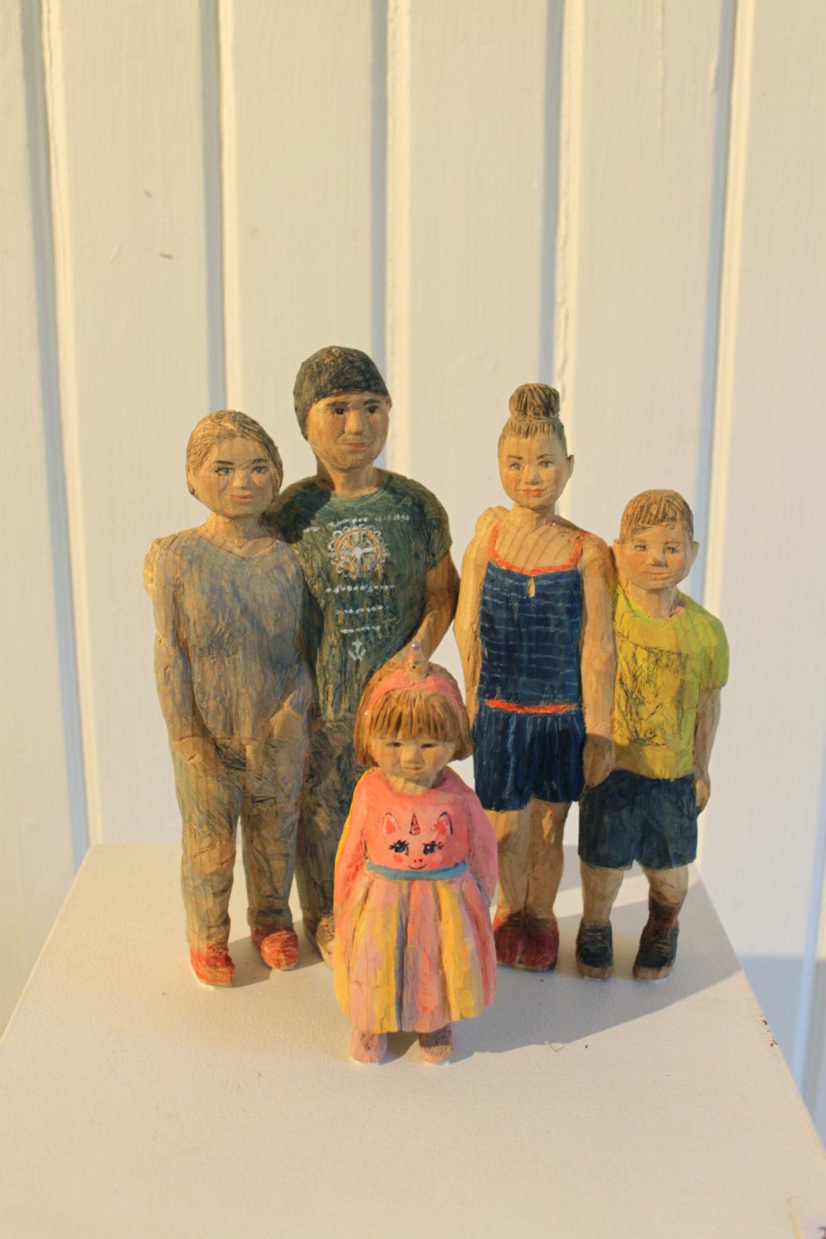 Kaakisen puiseva perhe