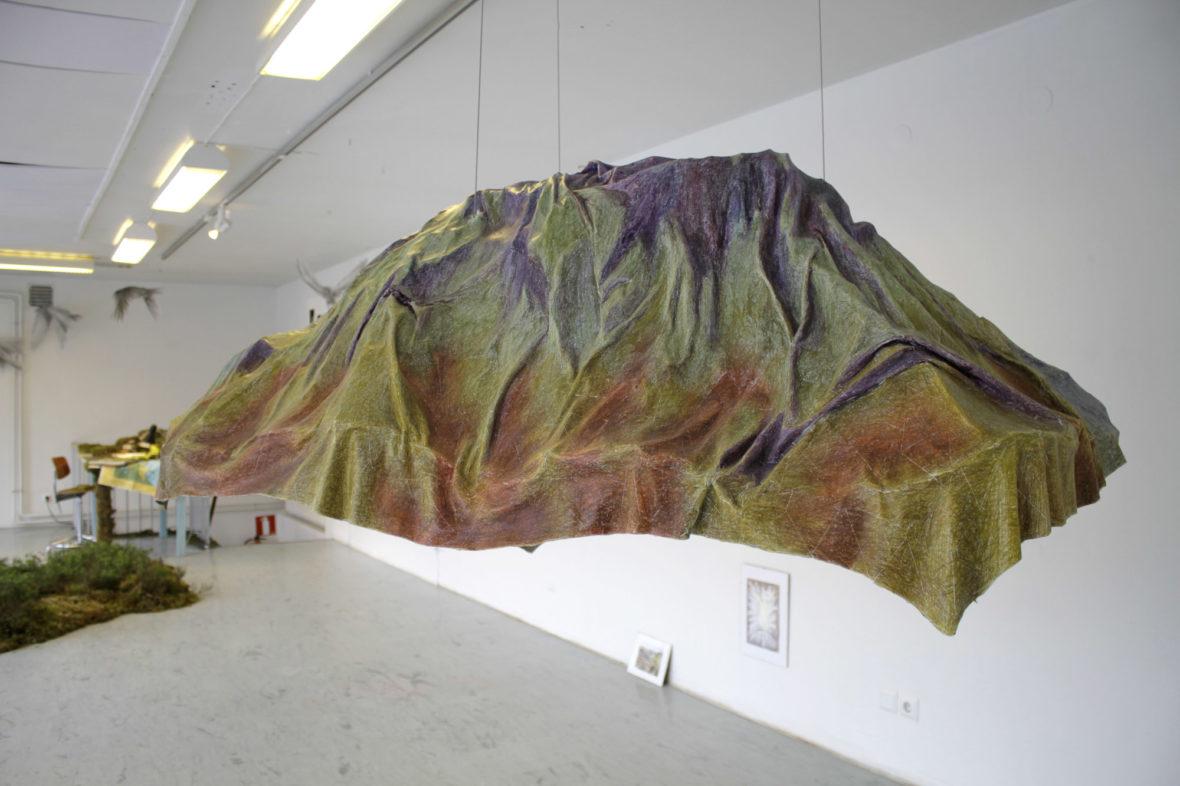 Teos siitä, kuinka vuori laskostuu