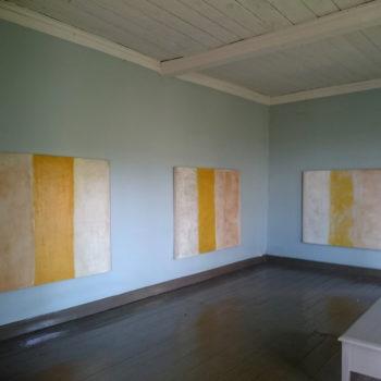 Teoksen nimi: Keltaraitaiset maalaukset
