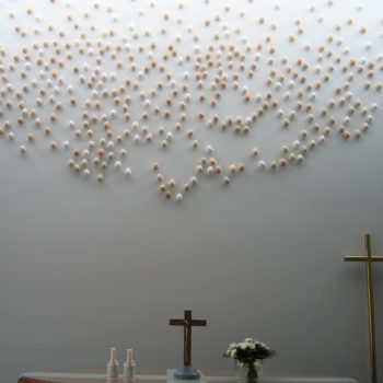 Teoksen nimi: Me kaikki, Genesis kappelin alttariteos