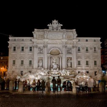 Teoksen nimi: Fontana  Di Trevi