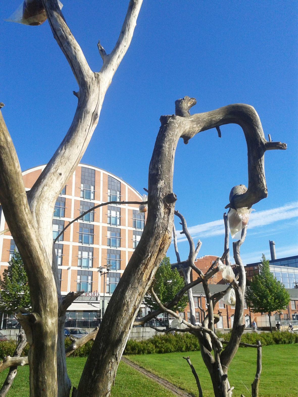 Teeskentelyn Omenapuutarha