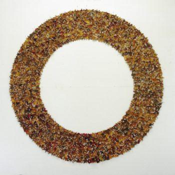 Teoksen nimi: Lehtiympyrä,   Leaf circle