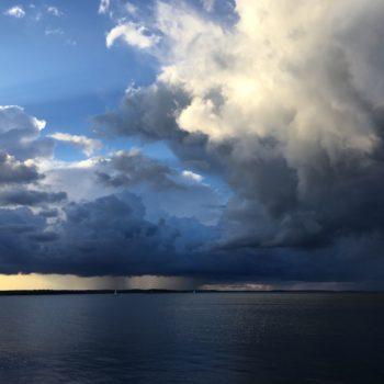 Teoksen nimi: Pilvet Näsijärven yllä