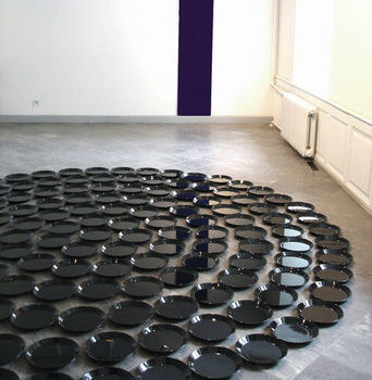 Teoksen nimi: Questions to the Oracle / 2004/ Tartu Art Museum, Estonia