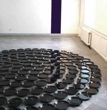 Teoksen nimi: Questions to the Oracle / 2004/ Tartu Art Museum, Estonia