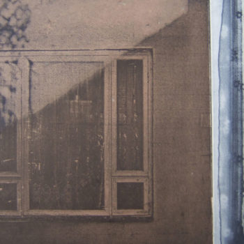 Teoksen nimi: Casa (Home), 2011, fotoetsaus/photo-etching, chine collé, 20 x 36 cm