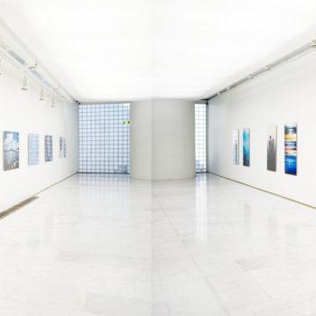 Teoksen nimi: Pullotettu meri, ripustuskuva / Bottled Ocean, Installation picture