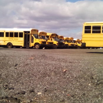 "Teoksen nimi: "" Yellow buss ""   2018"