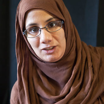 Teoksen nimi: Ruskea huivi / Brown Hijab