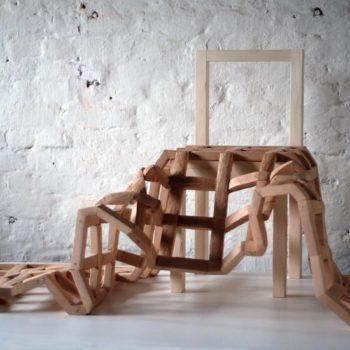Teoksen nimi: Tuoli ja viltti | Chair and Blanket