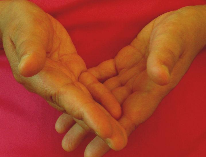 valokuvasarjasta Kädet; Punainen