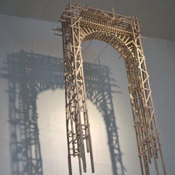 Teoksen nimi: Riemukaari • Triumphal Arch