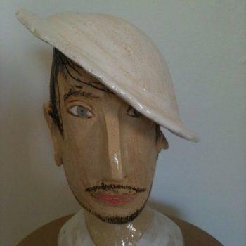 Teoksen nimi: Valkoinen hattu, 2013