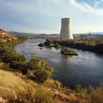 Teoksen nimi: Ascó, Spain, sarjasta Euroopan kauneimmat ydinvoimalat/from the series The Most Beautiful Nuclear Power Plants in Europe