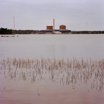 Teoksen nimi: Loviisa, Finland, sarjasta Euroopan kauneimmat ydinvoimalat/from the series The Most Beautiful Nuclear Power Plants in Europe