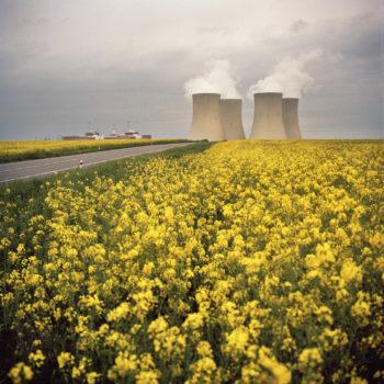 Teoksen nimi: Temelín, Czech Republic, sarjasta Euroopan kauneimmat ydinvoimalat/from the series The Most Beautiful Nuclear Power Plants in Europe