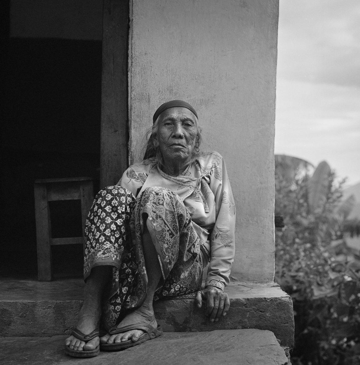 Nainen kynnyksellä – Woman on the Doorstep